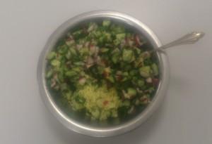 7 рис с салатом из огурцов