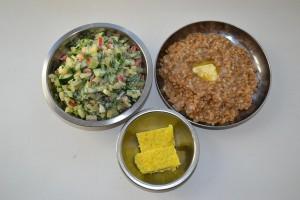 салат полба и сыр домашний