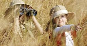девочка с мамой в траве х
