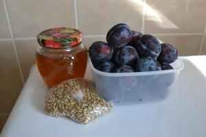 мед и сливы