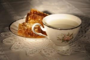 молоко с медом х