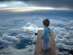 ребенок и облака